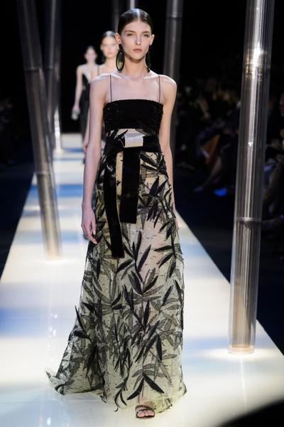 На Неделе высокой моды в Париже прошел юбилейный показ Giorgio Armani Prive | галерея [2] фото [20]