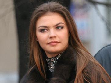 Алина Кабаева теперь поет