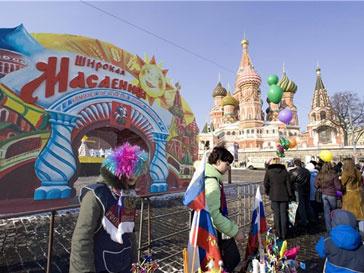 Праздничные гуляния в честь масленицы проходят по всей России