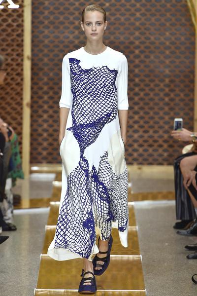 50 лучших платьев Недели моды в Милане | галерея [1] фото [43]