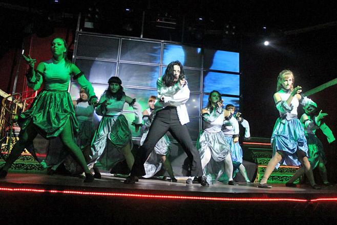 День рождения Майкла Джексона - танцует команда Scream