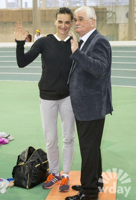 Елена Исинбаева выступила на соревнованиях впервые после рождения дочери