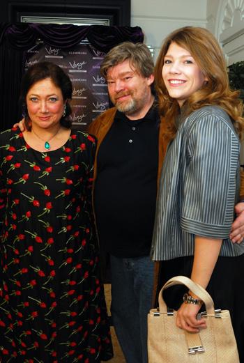 Константин Ремчуков с женой Еленой дочерью Варварой