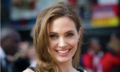 Анджелине Джоли предложили роль в скандальном фильме