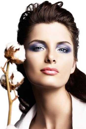Нежность и чувственность легко создаются при помощи натуральных оттенков макияжа.