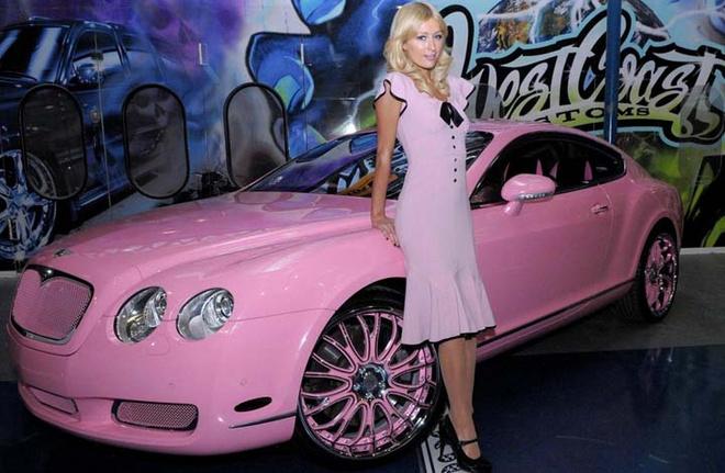 Пэрис Хилтон и пострадавший от необузданной барби-фантазии хозяйки Bentley