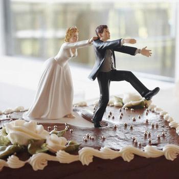Есть девушки, для которых замужество является способом поднятия самооценки.