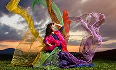 Дизайнеры создали меняющее цвет платье