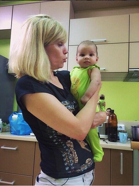 Светлане Устиненко с внуком Робертом фото