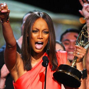 Это была ночь гламура, когда звезды проходили по красной ковровой дорожке Театра «Орфей» в Лос Анджелесе во время вручения 36 ежегодной премии Daytime Emmy Awards. Среди номинантов были и такие гиганты телевидения, как Тайра Бэнкс, получившая награду за «Шоу Тайры Бэнкс»