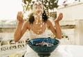 Праздник чистоты: как и когда лучше снимать макияж