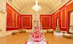 Lancel создал новогоднюю елку для Большого театра