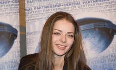 Позор ММКФ: Марина Александрова не смогла прочесть текст по бумажке
