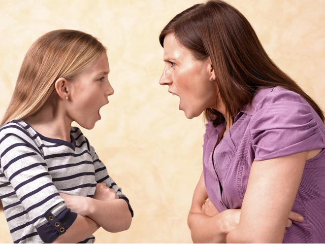 Cсора с мамой