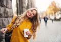 «За 30, не замужем и счастлива»: истории шести женщин