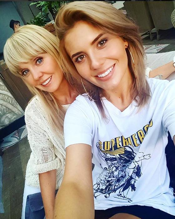 на день города в Волгограде выступит певица Валерия и ее дочь Анна Шульгина