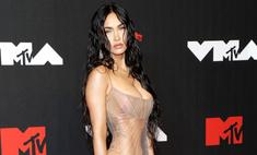 Меган Фокс пришла на премию MTV в абсолютно прозрачном платье (много фото)