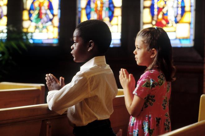 можно ли крестить ребенка с одним крестным