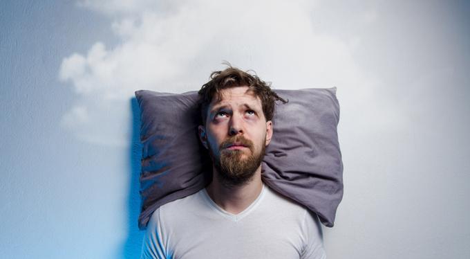 Страх смерти у мужчин связан с прокрастинацией перед сном