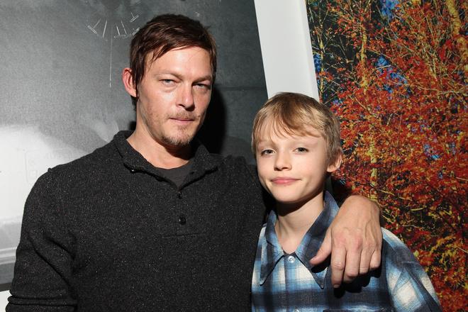 Норман Ридус с сыном фото