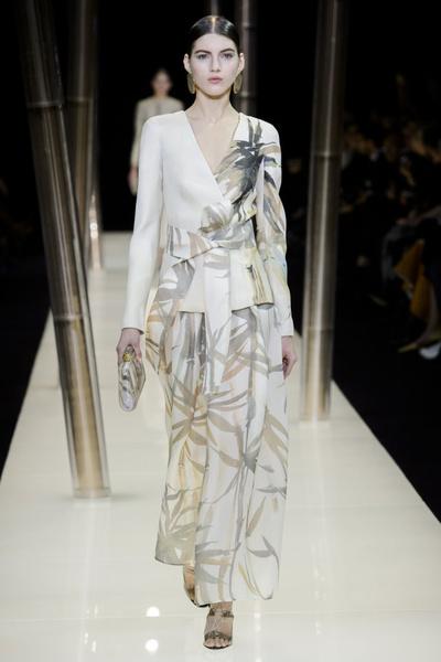 На Неделе высокой моды в Париже прошел юбилейный показ Giorgio Armani Prive | галерея [1] фото [35]