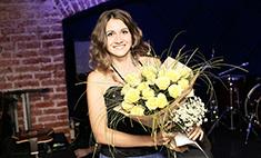 Алиса Игнатьева: играет на балалайке и ездит автостопом