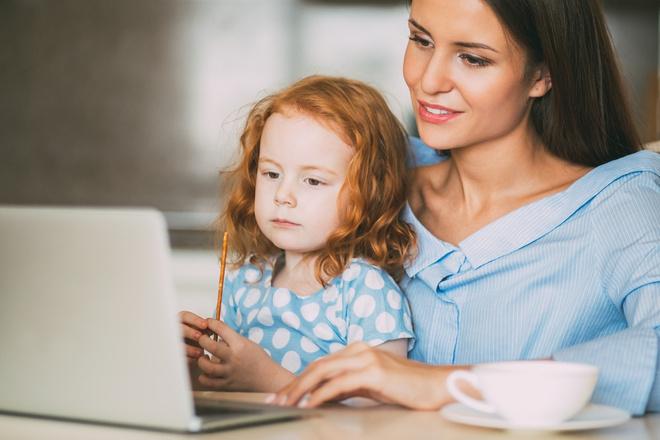 В первые годы жизни мозг малыша максимально восприимчив к новой информации и настроен на активное познание мира.
