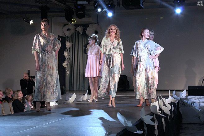 Показ моделей дизайнера Елены Головиной