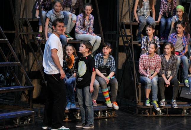 Александр Кержаков в спектакле «Поколение Маугли»