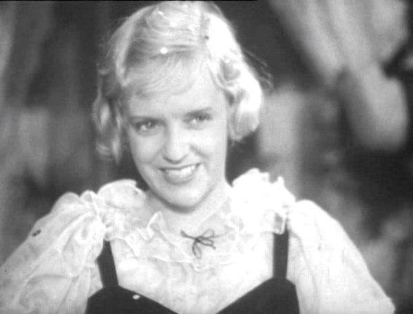 Марина Ладынина, кадр из фильма «Любимая девушка»