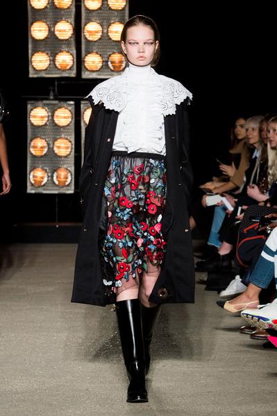 Самые красивые образы Недели моды в Лондоне | галерея [1] фото [36]