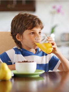 Шипучий витаминно-минеральный комплекс «Мультифорт детский» содержит все необходимое для ребенка.