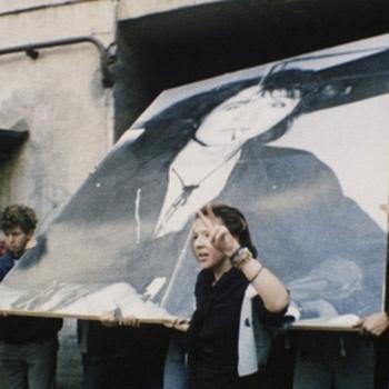 «КИНОакция» начнется в Москве 15 августа, в день гибели музыканта Виктора Цоя, и продлится ровно год, пройдя по тридцати городам России, а также странам СНГ.