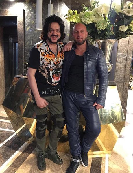 Певец Филипп Киркоров устроил шопинг в ростовском METRO