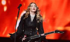 Нетрезвая Мадонна разрыдалась на сцене