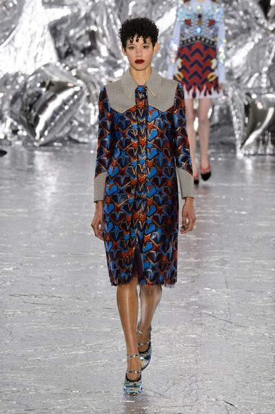 Самые красивые образы Недели моды в Лондоне | галерея [1] фото [54]