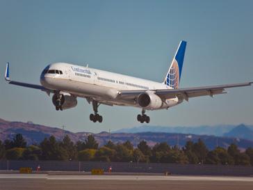 Пассажиры боятся перелетов из-за новостей об авиакатастрофах.