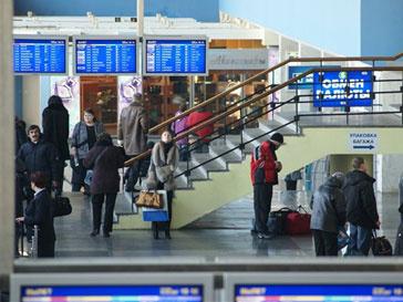 Дмитрий Медведев продолжает проверки вокзалов и аэропортов