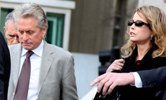 Бывшая жена Майкла Дугласа попыталась подать на него в суд