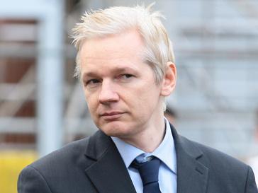 Джулиан Ассанж (Julian Assange) становится все популярнее