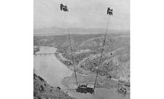 История одной фотографии: переправа локомотива через каньон, 1915