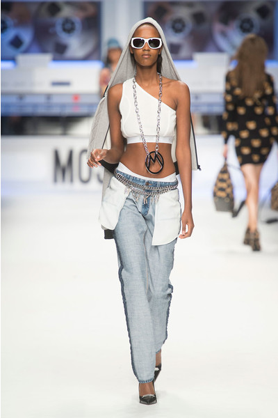 Показ Moschino на Неделе моды в Милане | галерея [4] фото [11]