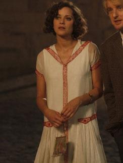 """Марион Котийяр (Marion Cotillard), кадр из фильма """"Полночь в Париже"""""""
