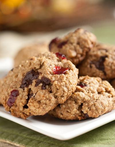 Рецепт овсяного печенья с клюквой и медом