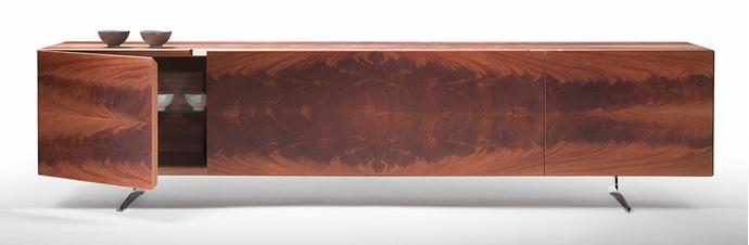 Комод Piuma, отделка — шпон красного дерева, дизайн Антонио Читтерио, Flexform, новинка 2014 года.