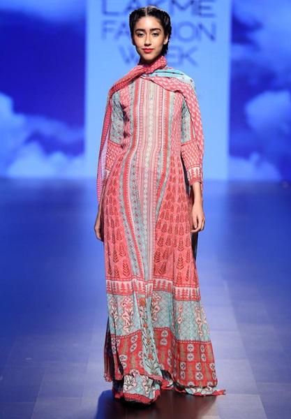 Оригинальный дизайн платья Anita Dongre, весна-лето 2016