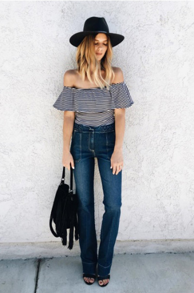 Ультрамодная одежда с полосатым принтом фото