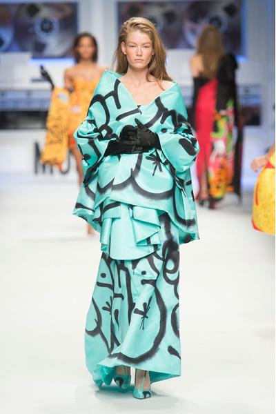 Показ Moschino на Неделе моды в Милане | галерея [5] фото [9]
