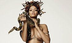 Рианне нарисовали грудь в «Фотошопе»