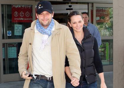 Дженнифер и Росс во время шопинга, 14 декабря 2007 года